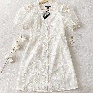 NWT Daisy Print Puff Sleeve Mini Dress